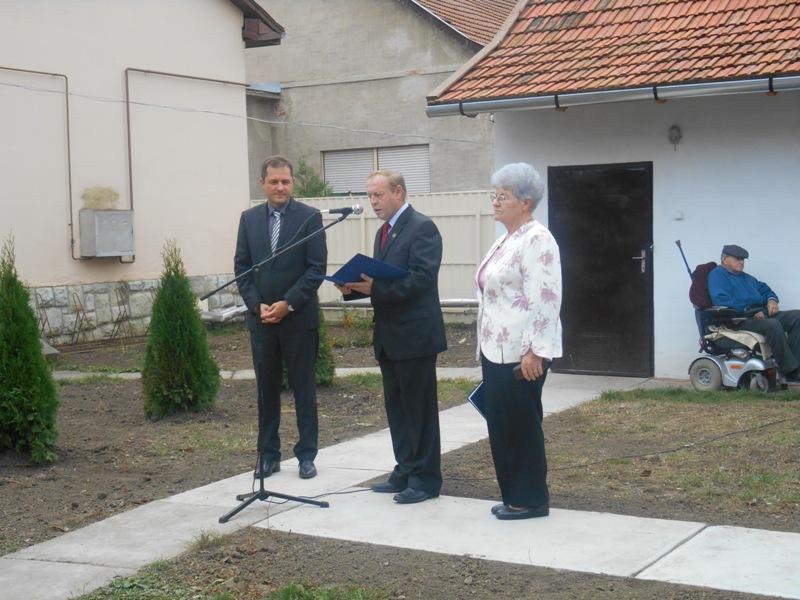 Az alábbi galériát nézi: Közösségi tér átadó ünnepsége - 2014.10.08.